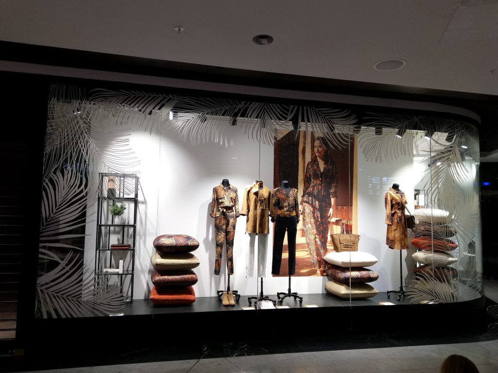 graphik retail decoration event reboard nancy boutique