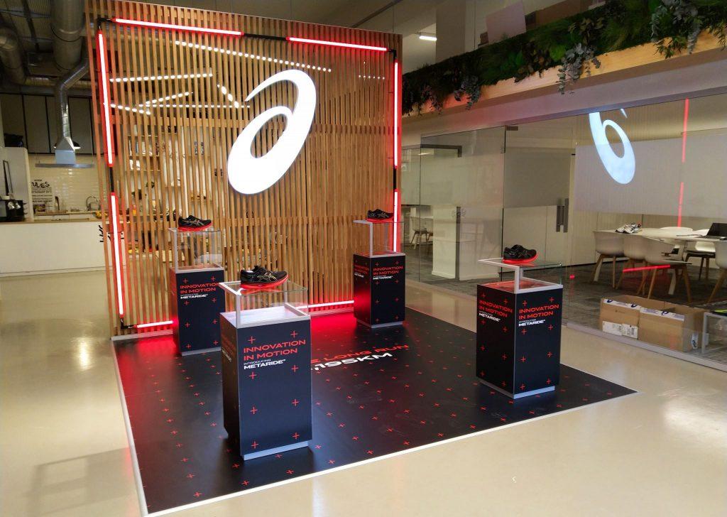 graphik retail decoration event reboard nancy asics show room