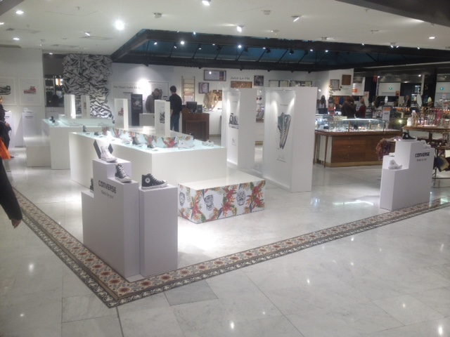 graphik retail decoration event reboard nancy converse corner bhv